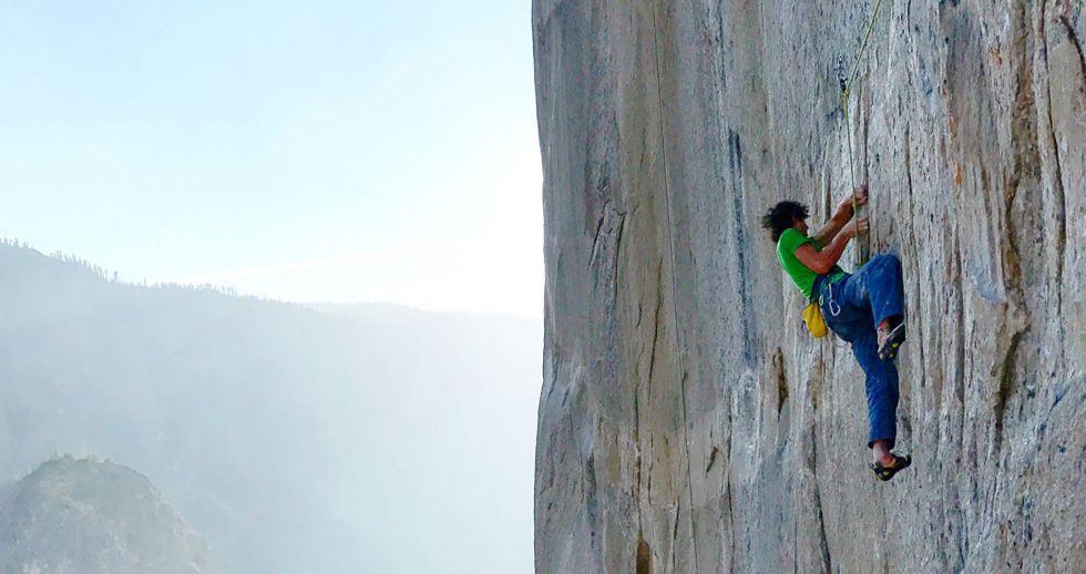 Adam Ondra escalando el multilargo más duro del mundo, Dawn Wall. Foto: Nat Geo