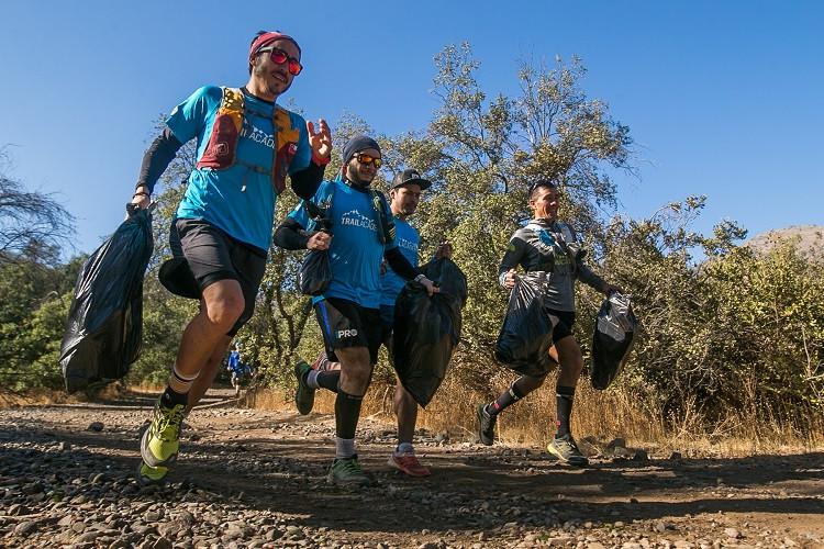Los corredores limpiaron los senderos de Alto Las Vizcachas y el Morro Las Papas