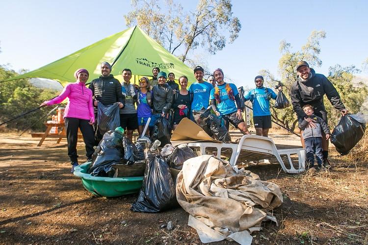 Los participantes recogieron más de 100 kilos de basura