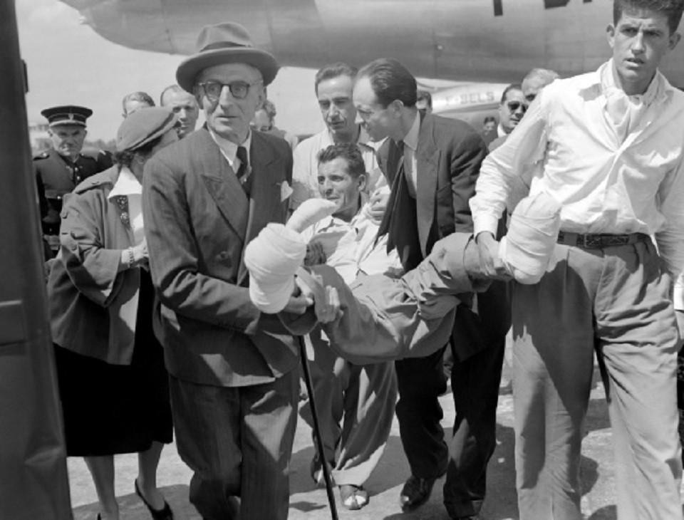 Herzog ayudado al volver del annapurna