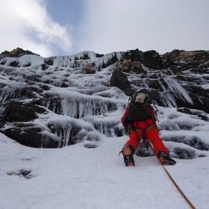 subiendo-hielo-y-estalactitas