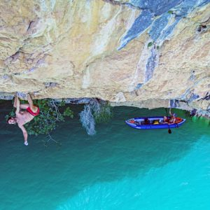 chris-sharma-trick-or-tree-mont-rebei-3-web-bote-ricardo-giancola